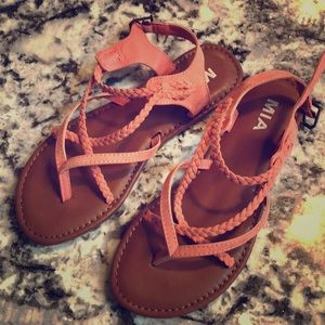 NWT strappy sandals in coral, size 8